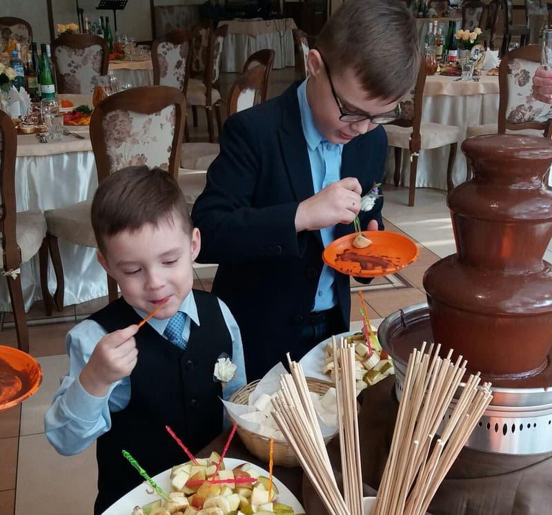 шоколадный фонтан (2)